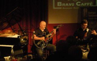 Frank Gambale, Alain Caron & Otmaro Ruiz - Trio Natural High Live